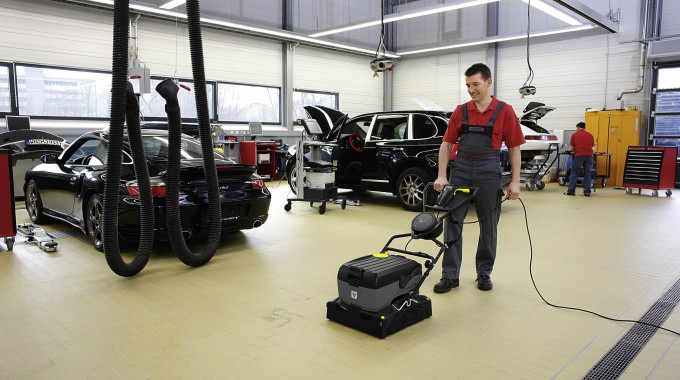 How To Clean Floors In Industrial And Commercial Facilities